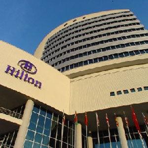 Hilton, orta sınıf için kaliteli otel açıcak
