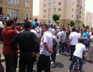 Kayaşehir'liler Aidat Zamlarını Protesto Ettiler