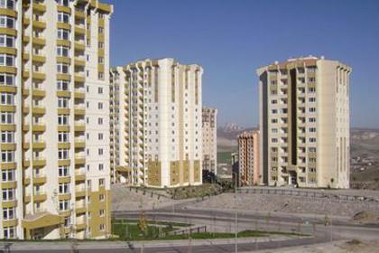 TOKİ'ye 'evleri geç teslim etme' uyarısı