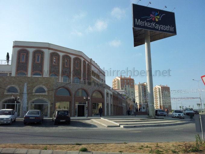 Kayaşehir'de 1 dükkan 8 daireye bedel