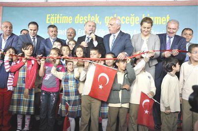 Başakşehir'de Mehmet Akif Ersoy İlköğretim Okulu Hizmete Girdi