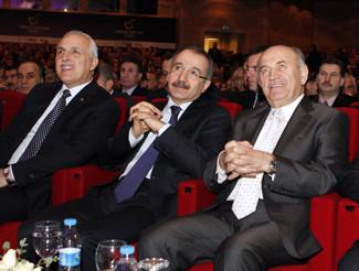 İstanbul'un en başarılı okulları ödüllendirildi