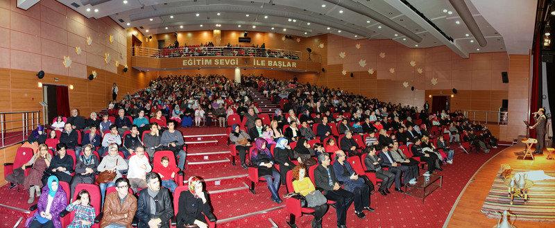 Mehmet Akif Ersoy Tiyatro Sahnesinde