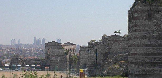 TOKİ, İstanbul surlarını restore edecek