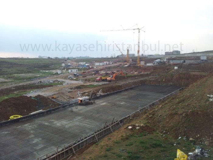 TOKİ Kayaşehir 19.bölgede inşaat durdu!