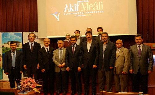 Akif'in Meali Başakşehir'de 30 Akademisyenle İncelendi