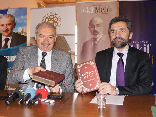 Mehmet Akif'e Kur'an meali yaktıran endişe Neydi?