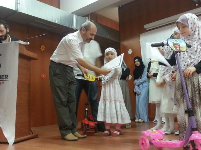 Muhacir okulumuzda sertifika sevinci