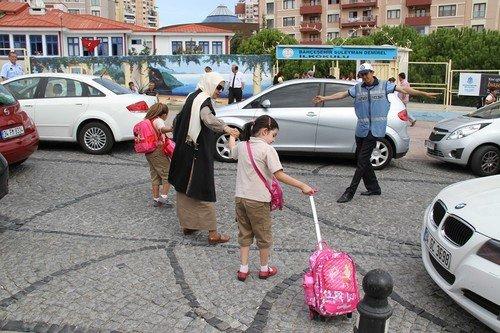 Okul Önlerinde Trafik Denetimleri Başladı