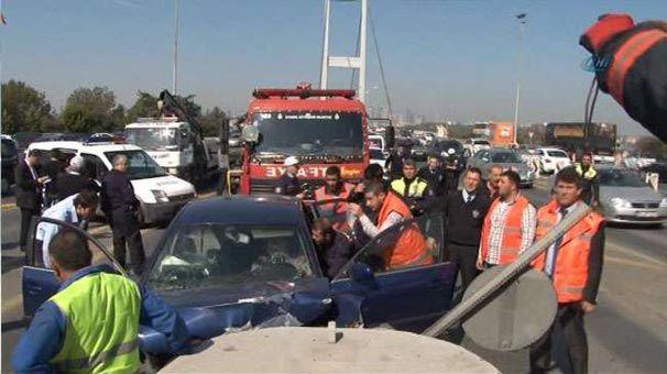 Boğaziçi köprüsü gişelerinde kaza