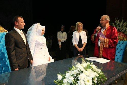 80 Çift, Toplu Nikah Töreniyle Dünya Evine Girdi
