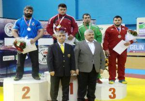 Grekoromen Güreş Turnuvası Ödülleri Kaymakamdan
