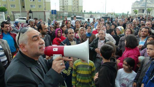 Kayaşehir'de yüksek aidat artışı protesto edildi