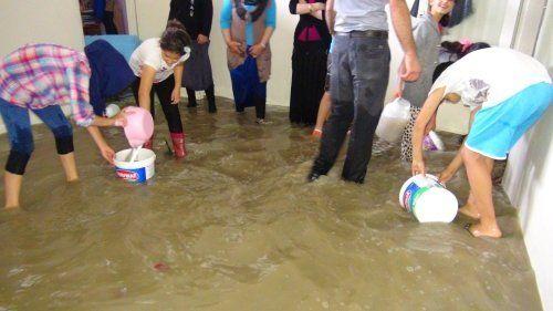 Başakşehir'de Evleri Su Bastı