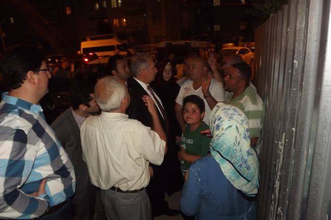 Onurkent Sakinleri Belediye'ye isyan etti