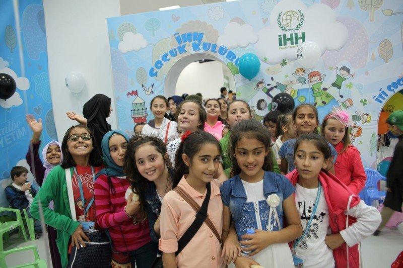 Bilgievi öğrencileri İHH yetim buluşmasında