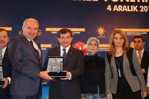 Başbakan'dan Mevlüt Uysal'a ödül