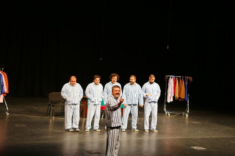 Pijamalı Adamlar Tiyatrosu