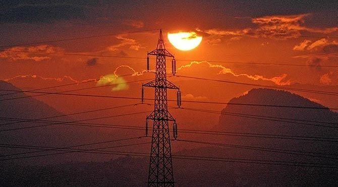 Çöpten elektrikle konutlar aydınlatılıyor