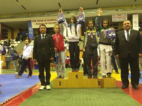 BSM Tekvando şampiyonu çıkarttı