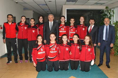 Yarı final öncesi Başkan Uysal'a ziyaret