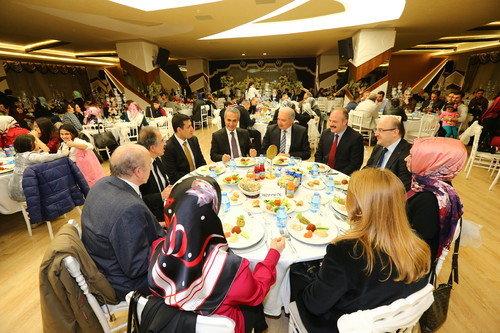 Başkan Uysal, sağlık çalışanlarıyla