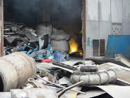Başakşehir'de İşyeri Yangını