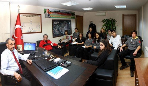 Lise öğrencileri belediye'yi ziyaret etti