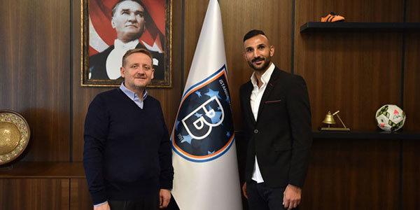 Başakşehir, Yalçın Ayhan'ın sözleşmesini uzattı