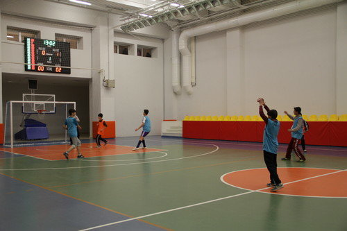 Öğrenciler yarıyıl tatilini sporla değerlendiriyor