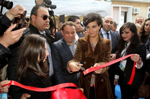 Tuba Büyüküstün'e Cezayir'de yoğun ilgi