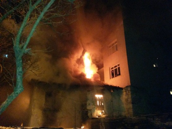Kayabaşı Mahallesinde Yangın Çıktı