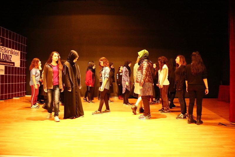 Başakşehir'de Tiyatro Akademisi açıldı