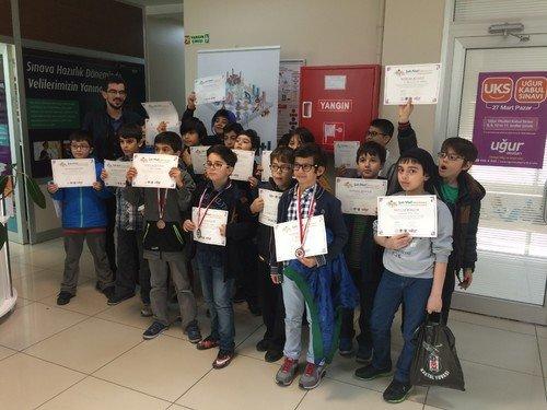 Bilgievi Satranç Turnuvası'nda 3.oldu