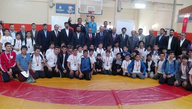 Başakşehir Güreş Turnuvası Yapıldı