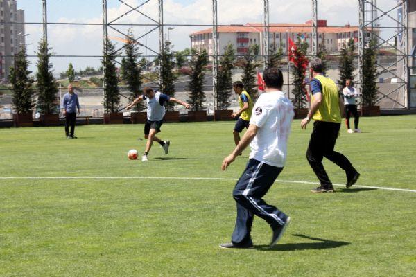 Medipol Başakşehir, parkinson hastalarıyla maç yaptı
