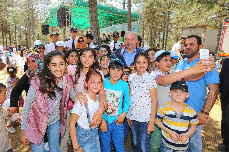 Suriyeli Yetimler için piknik yapıldı