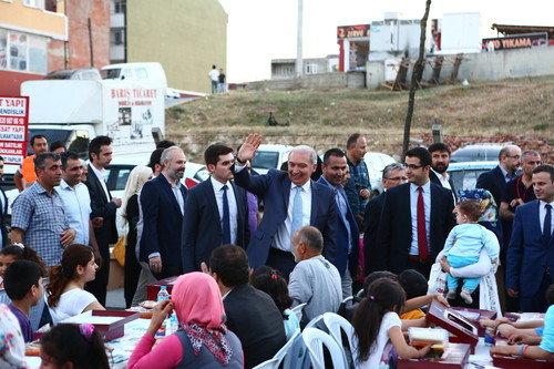 Güvercintepe'de 12 Bin kişilik Sokak İftarı