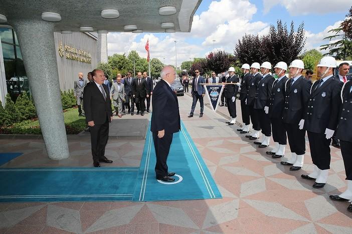 Meclis Başkanı Kadir Topbaş'ı ziyaret etti