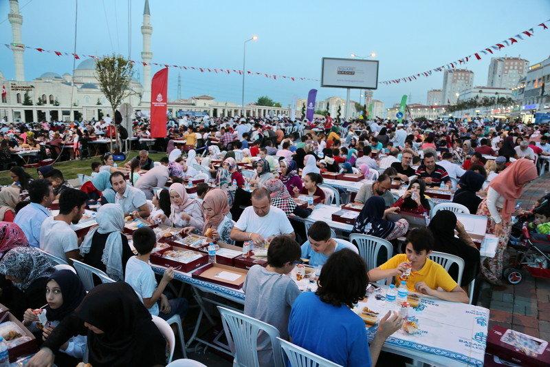 Son Sokak İftarı Kayaşehir'de Yapıldı