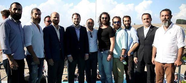 Diriliş Ertuğrul oyuncuları Etnospor'u ziyaret etti