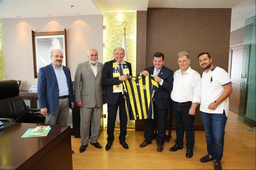 Fenerbahçeliler Mevlüt Uysal'ı ziyaret etti