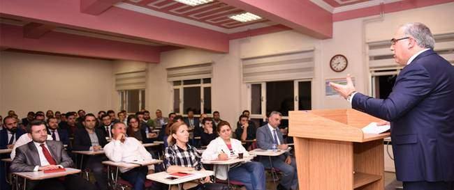 TOKİ Başkanı Üniversiteliler ile buluştu