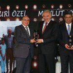 Mevlüt Uysal 'Başarılı Belediye Başkanı' ödülü aldı