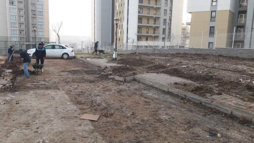 Toki Kayaşehir 10.Bölge'de Çevre Düzenlemesi