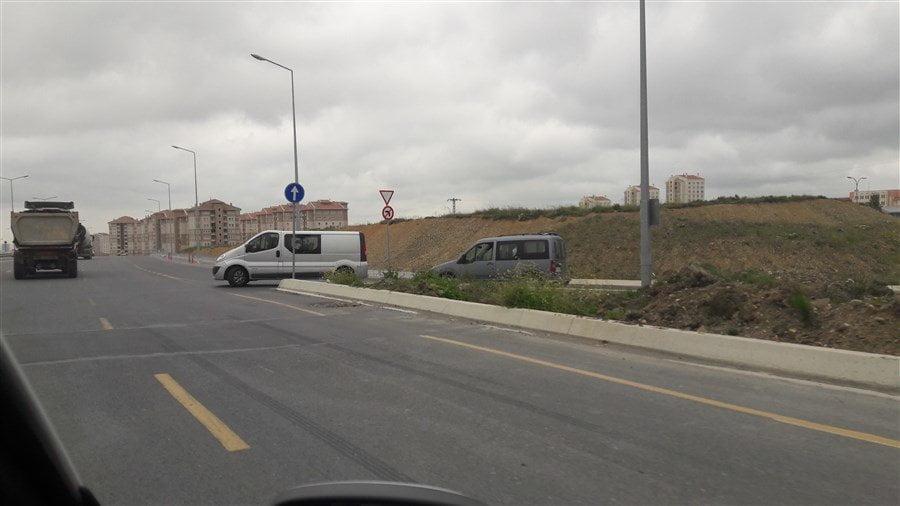 Kayaşehir Fenertepe Yolu Ölüm Tehlikesi