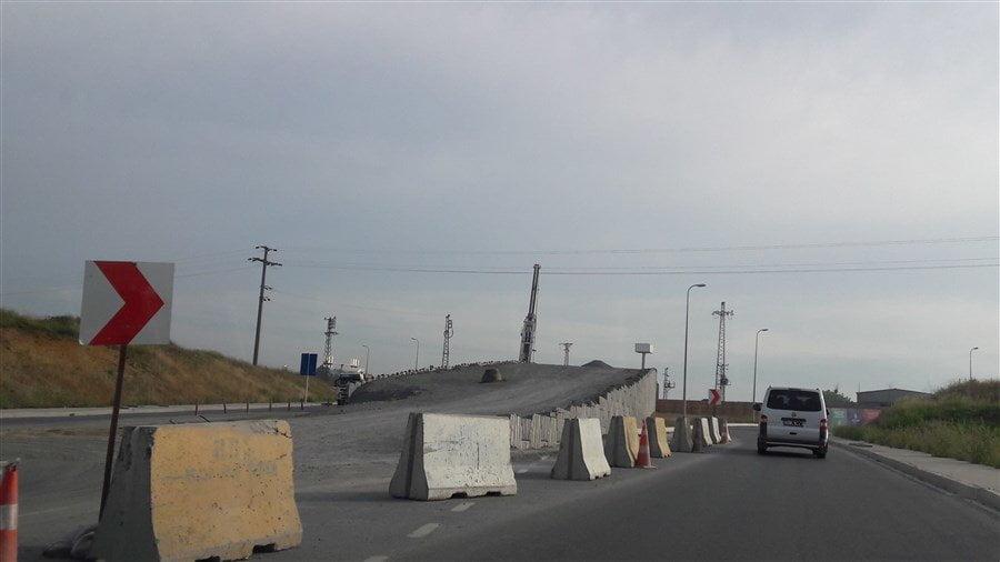 Kayaşehir Fenertepe Otoyol Üst Geçiti