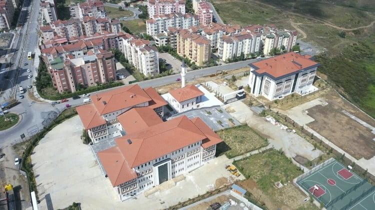 Başakşehir Belediyesi 60 okulu tamir etti