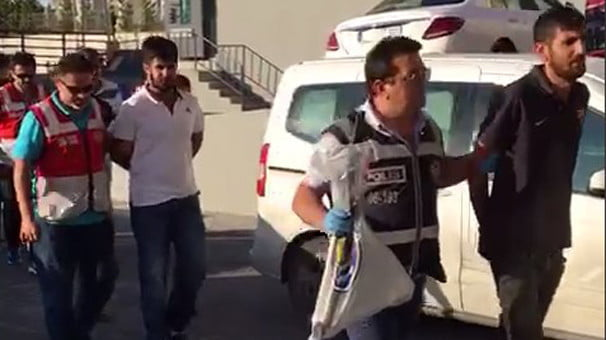 Başakşehir'de yol verme kavgası ve 7 tutuklama