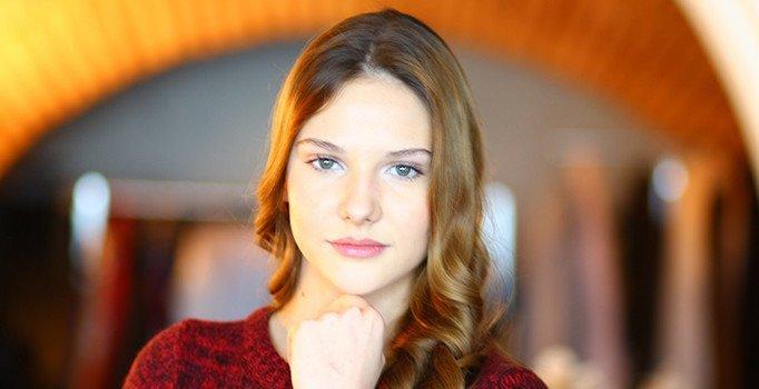 Alina Boz Kimdir?